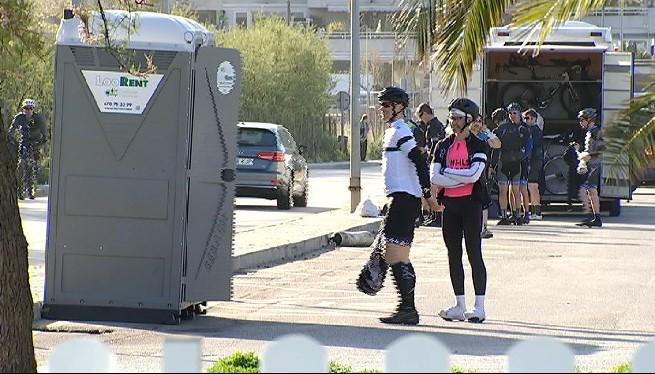Andratx+instal%C2%B7la+dos+escusats+per+evitar+que+els+ciclistes+orinin+al+carrer