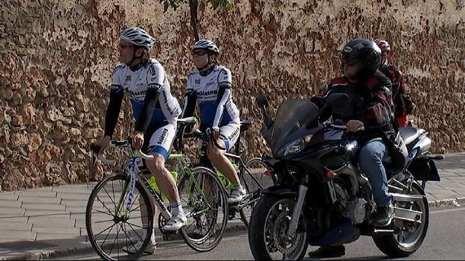 Un+cotxe+atropella+mortalment+un+ciclista+a+Menorca