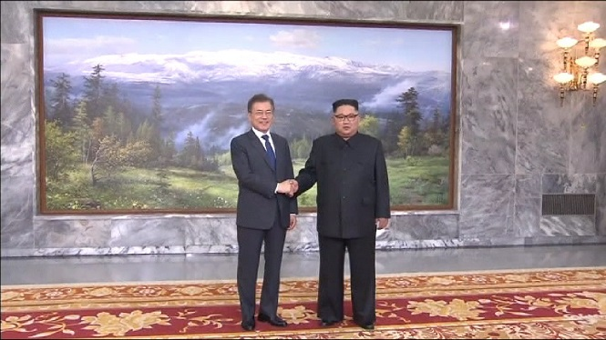 Reuni%C3%B3+sorpresa+entre+les+dues+Corees