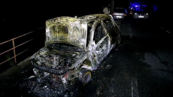 Un+detingut+per+cremar+un+cotxe+de+la+Gu%C3%A0rdia+Civil+a+Banyalbufar