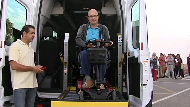 Nou+vehicle+adaptat+per+a+la+Fundaci%C3%B3+per+a+Persones+amb+Discapacitat+de+Menorca