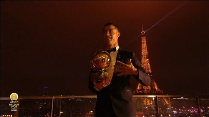 Cristiano+Ronaldo+guanya+la+seva+cinquena+Pilota+d%27Or