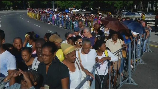 Segon+dia+d%27homenatges+a+Fidel+Castro+a+Cuba