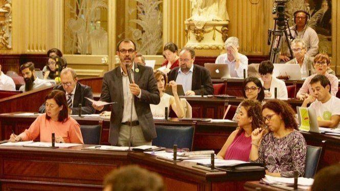 Les+cr%C3%ADtiques+a+Escarrer+i+el+refer%C3%A8ndum+de+Catalunya+centren+el+debat+del+Parlament