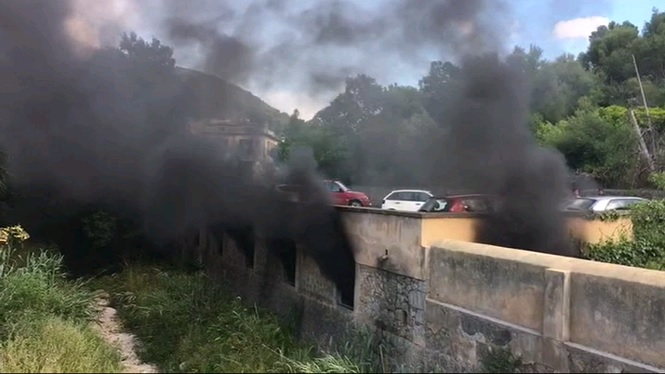 Desallotgen+Sant+Joan+d%27Ol%C3%B3%2C+a+Barcelona%2C+a+causa+d%27un+incendi
