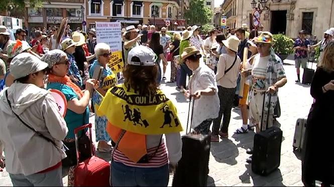 Protesta+contra+la+turistificaci%C3%B3+del+centre+hist%C3%B2ric+de+Palma