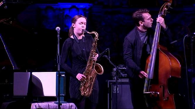 La+saxofonista+noruega+Hanna+Paulsberg+esbalaeix+Pollen%C3%A7a