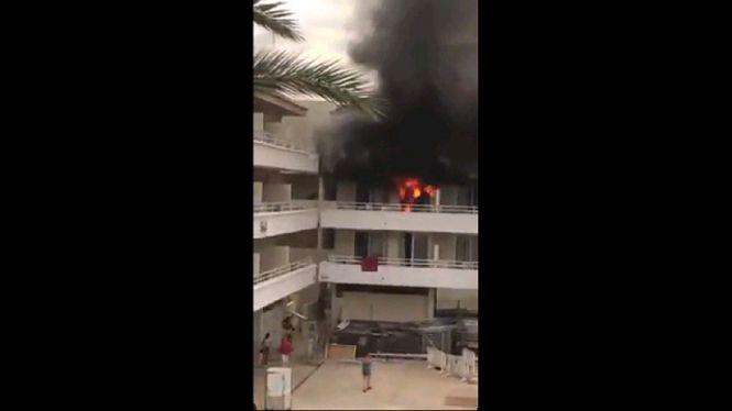 Detenen+quatre+clients+per+provocar+un+incendi+a+un+hotel+de+Magaluf