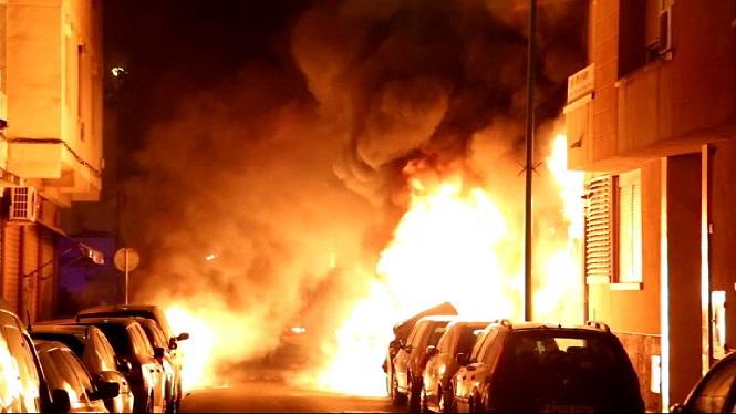 Dues+persones+han+resultat+afectades+per+inhalaci%C3%B3+de+fum+en+un+incendi+que+es+va+produir+anit+a+Palma