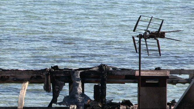 Es+descarta+la+intencionalitat+a+l%27incendi+que+va+destruir+per+complet+el+restaurant+de+Fornells%2C+a+Menorca