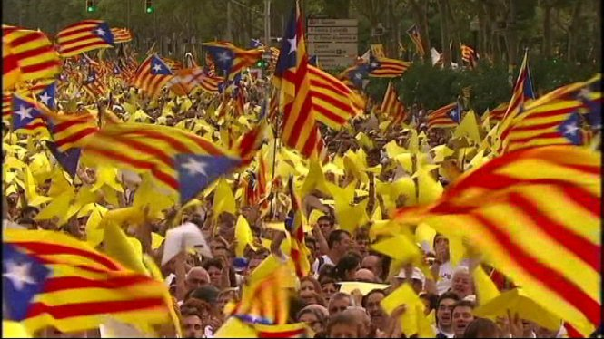 Els+partidaris+de+la+independ%C3%A8ncia+catalana+superen+per+primera+vegada+els+que+la+rebutgen