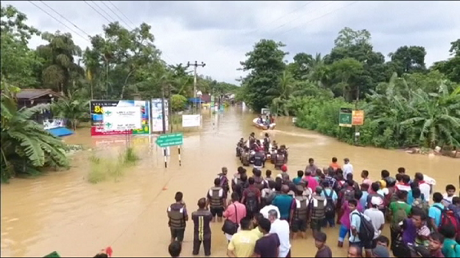 164+morts+per+les+pitjors+pluges+mons%C3%B2niques+en+14+anys+a+Sri+lanka