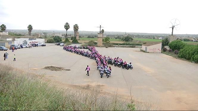 100+motoristes+de+rosa+donen+suport+als+afectats+de+c%C3%A0ncer+de+mama