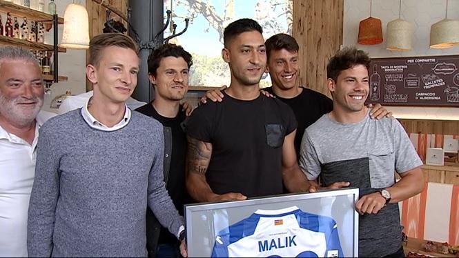 Malik%2C+jugador+de+l%27At.+Balears%2C+es+retira