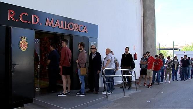 El+Mallorca+s%27entrena+en+gespa+artificial