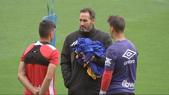 Vicente+Moreno+reuneix+els+capitans+abans+de+Sabadell