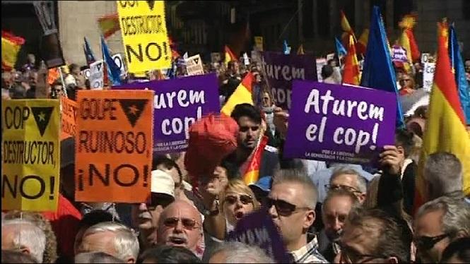 Milers+de+persones+es+manifesten+a+Barcelona+contra+la+independ%C3%A8ncia