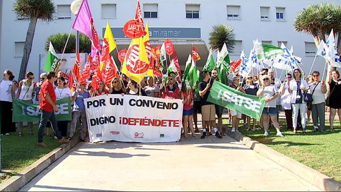 Els+treballadors+de+la+Cl%C3%ADnica+Juaneda+Miramar+aniran+a+la+vaga