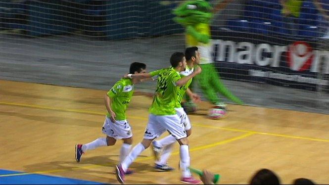 El+Palma+Futsal+for%C3%A7a+el+tercer+partit+en+un+ambient+enterbolit