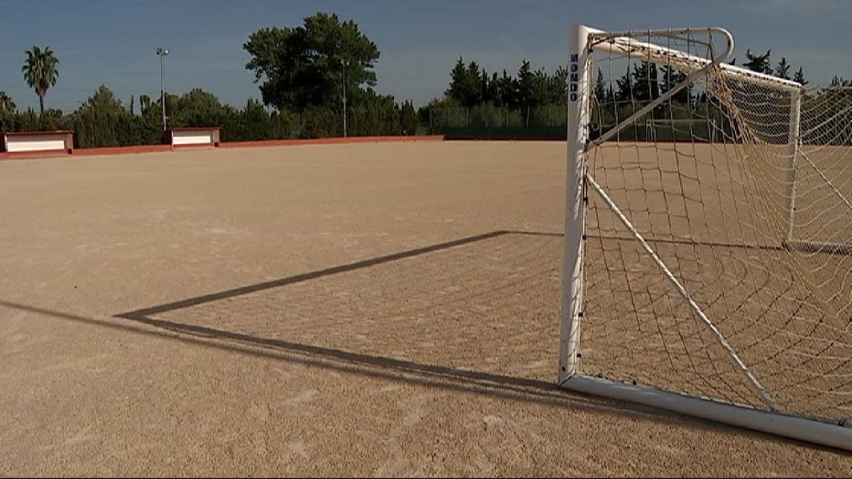 El+Palmanyola+reclama+gespa+per+al+seu+camp+de+futbol