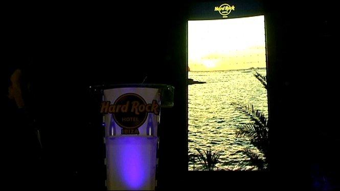 El+Hard+Rock+Hotel+d%E2%80%99Eivissa+ja+t%C3%A9+la+pantalla+de+LEDS+exterior+m%C3%A9s+gran+del+m%C3%B3n