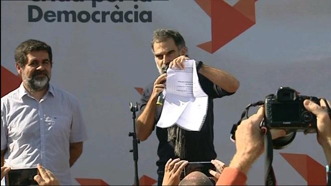 L%27Assemblea+Nacional+Catalana+i+Omnium+asseguren+que+avui+estan+repartint+1+mili%C3%B3+de+paperetes+per+votar+al+Refer%C3%A8ndum