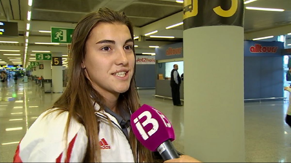 La+selecci%C3%B3+espanyola+femenina+de+futbol+ja+%C3%A9s+a+Palma