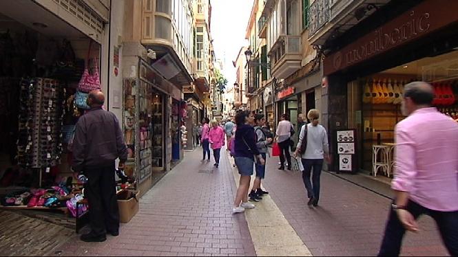Pimeco+i+Afedeco+demanen+que+es+redueixi+el+tamany+perm%C3%A8s+per+poder+construir+grans+comer%C3%A7os+a+Mallorca