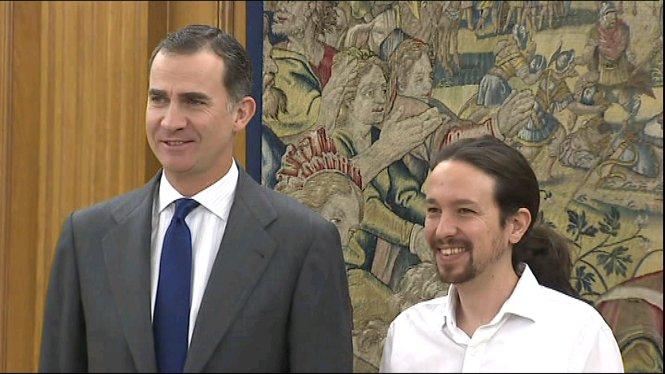 Pablo+Iglesias+ha+traslladat+avui+al+rei+Felip+la+seva+voluntat+de+formar+un+govern+de+canvi+amb+PSOE+i+Esquerra+Unida