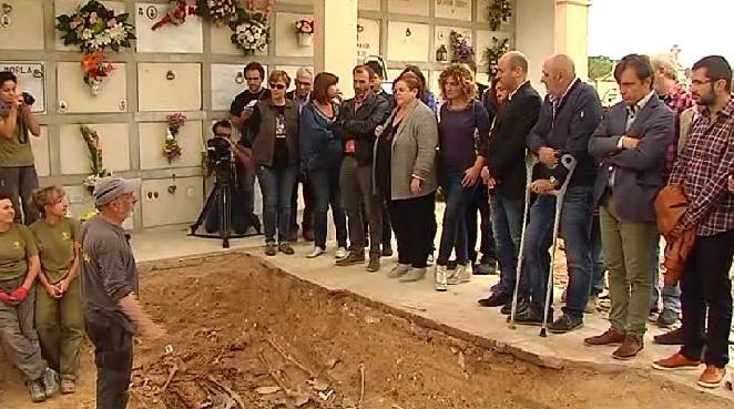 Les+autoritats+visiten+les+exhumacions+de+Porreres
