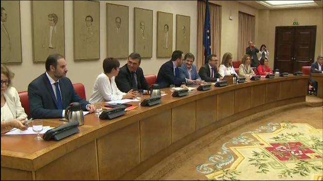 El+president+de+la+gestora+que+dirigeix+el+PSOE%2C+Javier+Fern%C3%A1ndez%2C+demana+responsabilitat+als+diputats