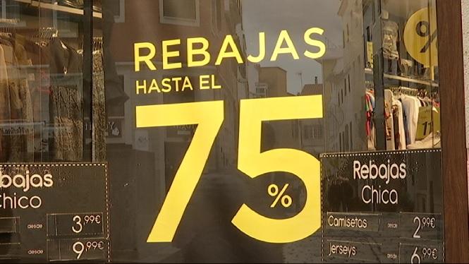 Primer+diumenge+d%27obertura+comercial+de+l%27any%2C+marcat+per+l%27inici+tradicional+dels+descomptes+d%27hivern