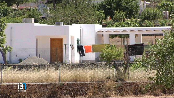 La+Gu%C3%A0rdia+Civil+continua+investigant+la+s%C3%A8rie+de+robatoris+comesos+a+Eivissa