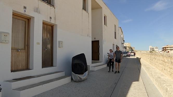 La+ronda+Antoni+Costa%2C+el+primer+dels+cinc+carrers+de+Dalt+Vila+renovats+pel+Consorci+Patrimoni