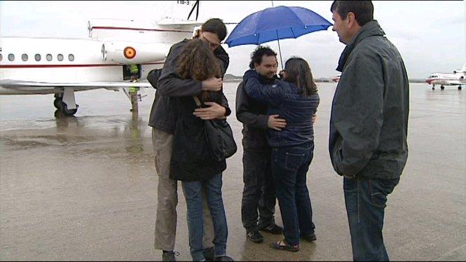 Arriben+a+Madrid+els+tres+periodistes+espanyols+alliberats+ahir+despr%C3%A9s+de+10+mesos+de+segrest+a+S%C3%ADria