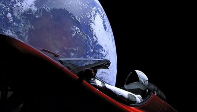Un+cotxe+Tesla+a+l%27espai