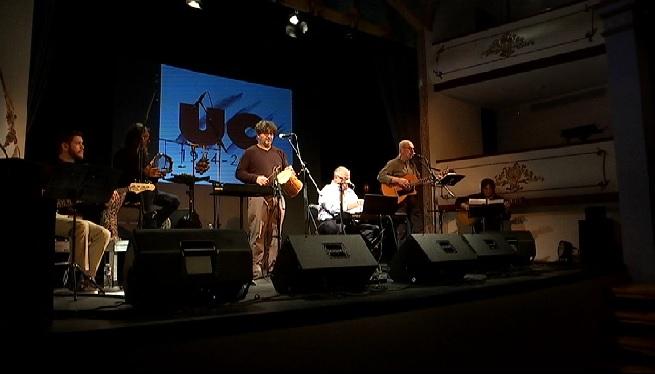 UC+omple+amb+la+seva+m%C3%BAsica+el+festival+Palmafolk