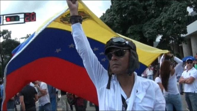Maduro+demana+a+la+Gu%C3%A0rdia+Nacional+estar+preparat+pels+enfrontaments+al+carrer