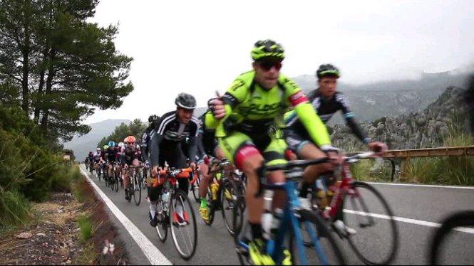 4.400+ciclistes+han+ocupat+avui+les+carreteres+de+Mallorca+per+participar+a+la+Marxa+Ciclotur%C3%ADstica+321