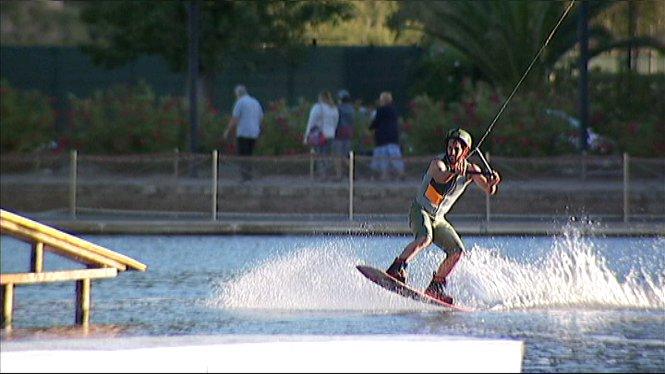 Wakeboard+al+llac+menor+d%27Alc%C3%BAdia