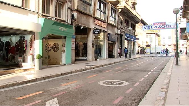 El+carrer+Vel%C3%A1zquez+de+Palma%2C+una+zona+comercial+cada+vegada+m%C3%A9s+oblidada