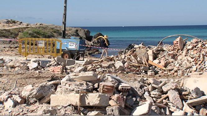 Campos+preveu+que+l%271+de+juny+estiguin+els+nous+xibius+instal%C2%B7lats+a+les+platges